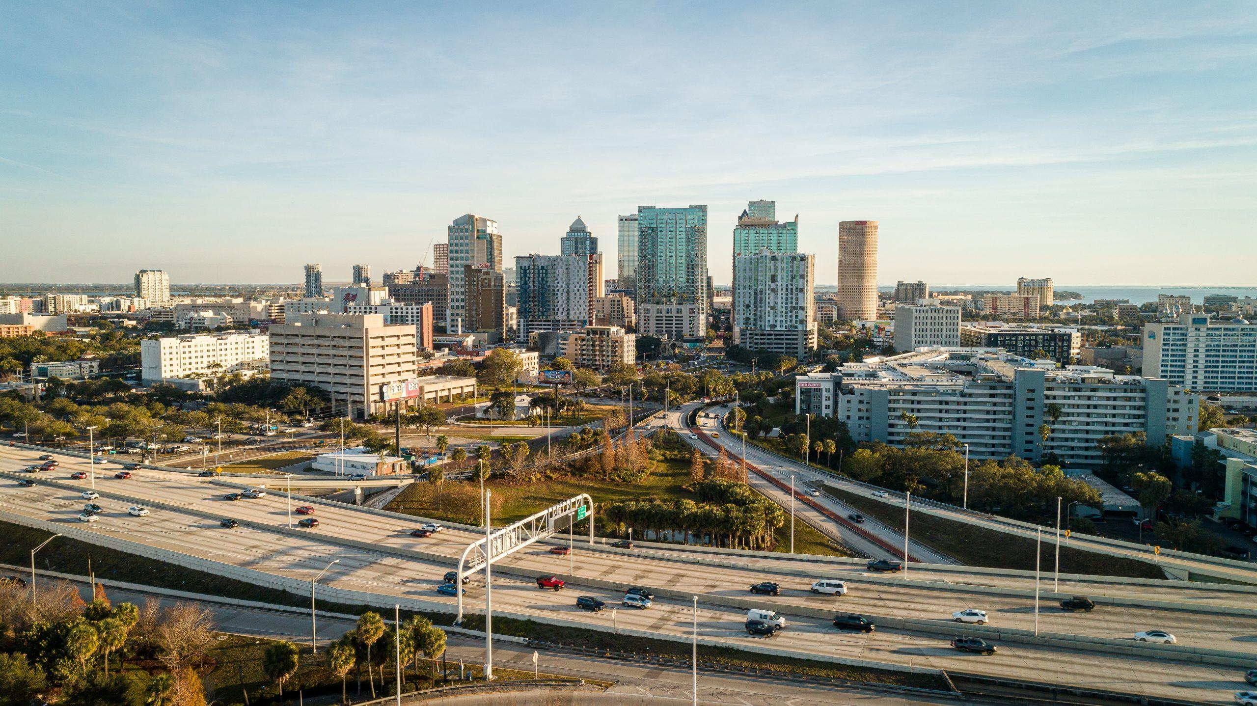 Drone Shot Of Tampa Bay - Agentes De Accidentes